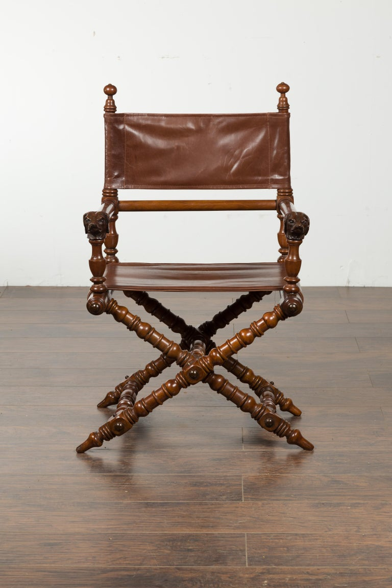 20th Century English 1900s Walnut Chair with Carved Dog Heads, Leather Seat and Turned Base For Sale
