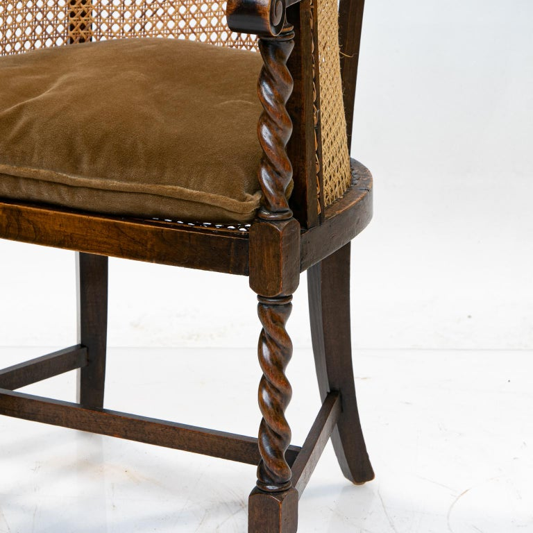 English 19th Century Barrel Back Armchair In Good Condition For Sale In Brentwood, TN