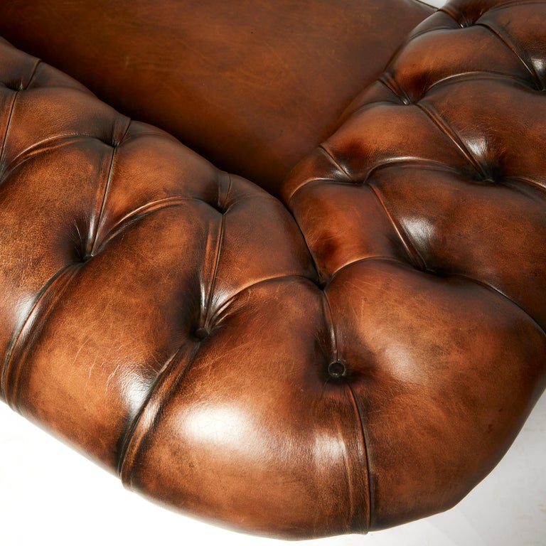 English 19th Century Style Chesterfield Sofa For Sale 2