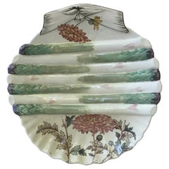 English 19th Century Asparagus Wall Plate with Mums