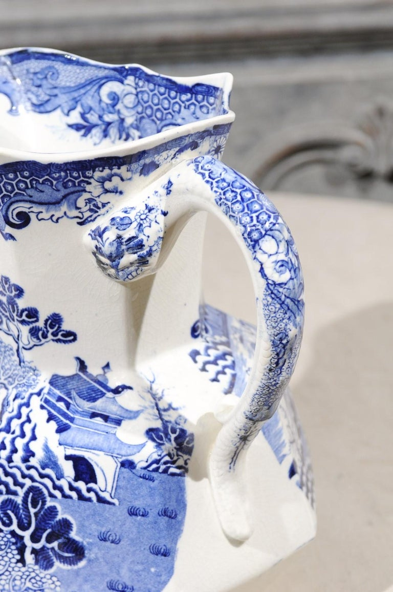English 19th Century Blue and White Mason's Patent Ironstone Octagonal Pitcher For Sale 6