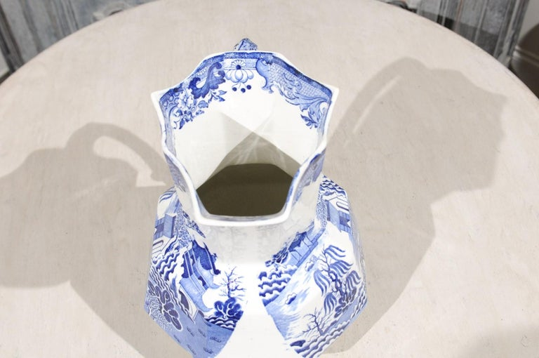 English 19th Century Blue and White Mason's Patent Ironstone Octagonal Pitcher For Sale 2