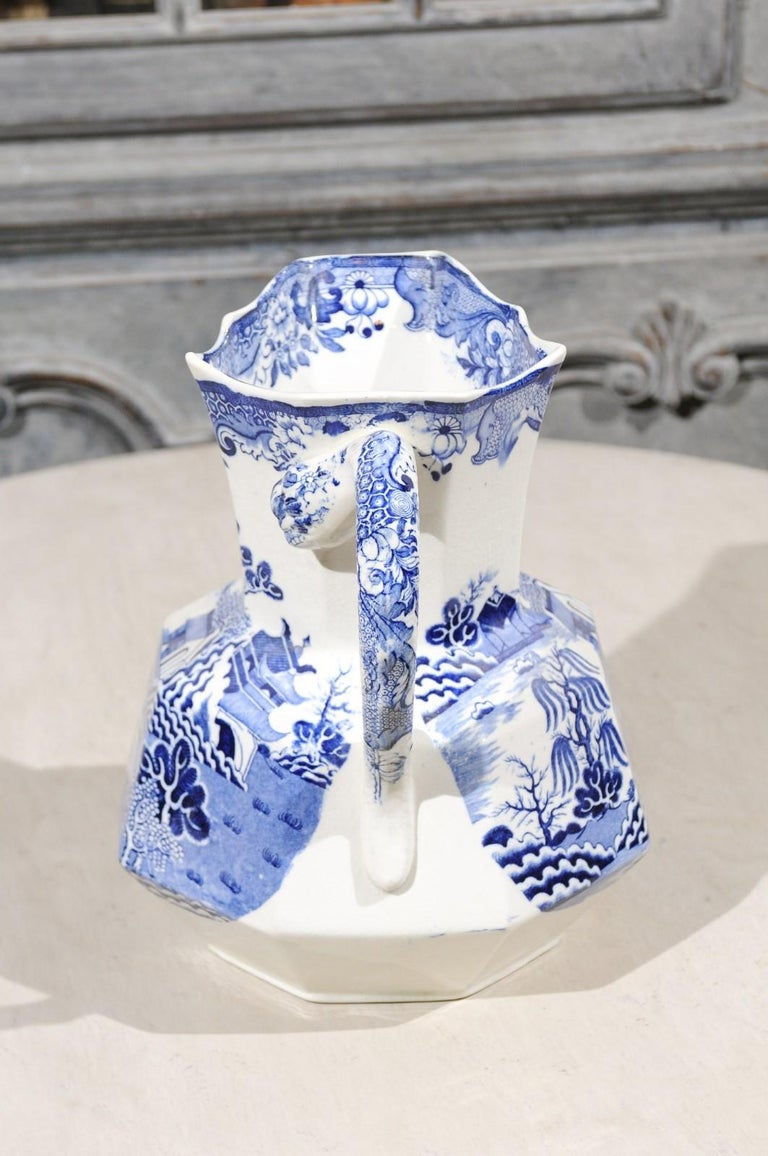 English 19th Century Blue and White Mason's Patent Ironstone Octagonal Pitcher For Sale 4