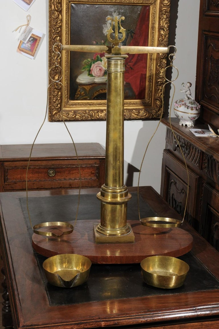 English 19th Century Brass Herbalist Scale with Central Column and Lyre Motif For Sale 7