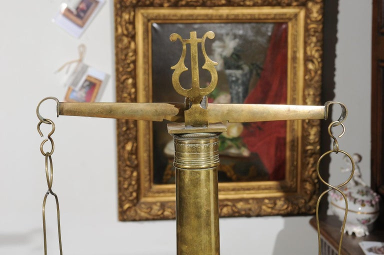English 19th Century Brass Herbalist Scale with Central Column and Lyre Motif For Sale 1