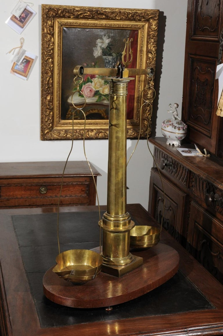 English 19th Century Brass Herbalist Scale with Central Column and Lyre Motif For Sale 3