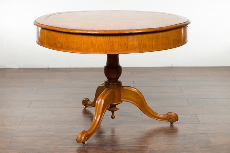 English 19th Century Fruitwood Table with Brown Leather Top and Tripod Base For Sale 7