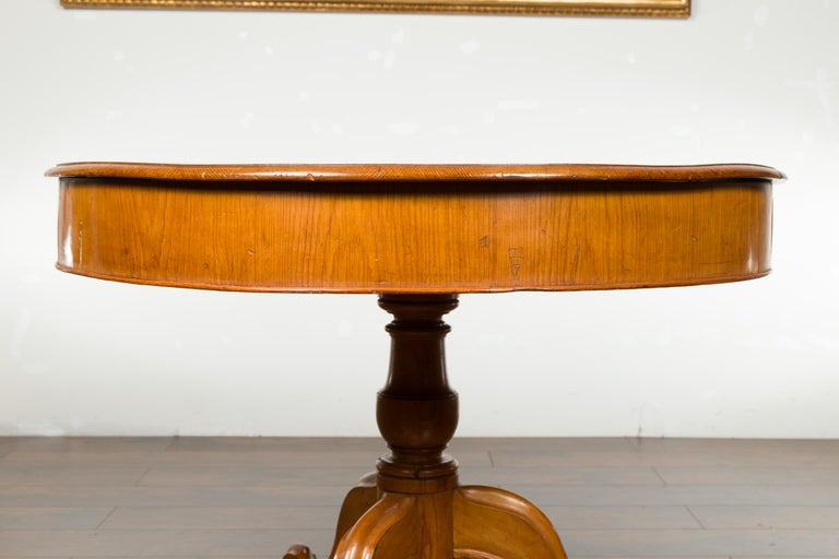 English 19th Century Fruitwood Table with Brown Leather Top and Tripod Base For Sale 9