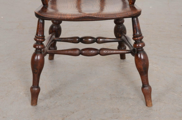English 19th Century Oak Captain's Chair In Good Condition For Sale In Baton Rouge, LA