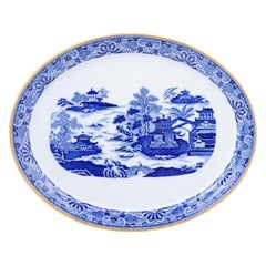 English 19th Century Oval Blue and White Porcelain Platter with Chinoiseries