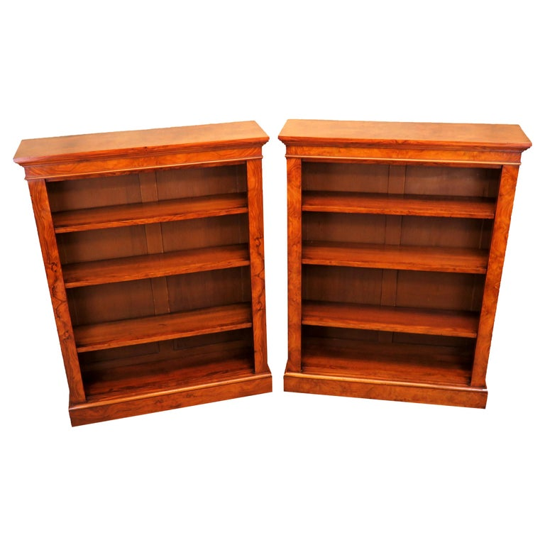 English 19th Century Pair of Burr Walnut Open Bookcases For Sale