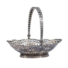 English 19th Century Silver Plated Oval Bread Basket with Putti and Garlands