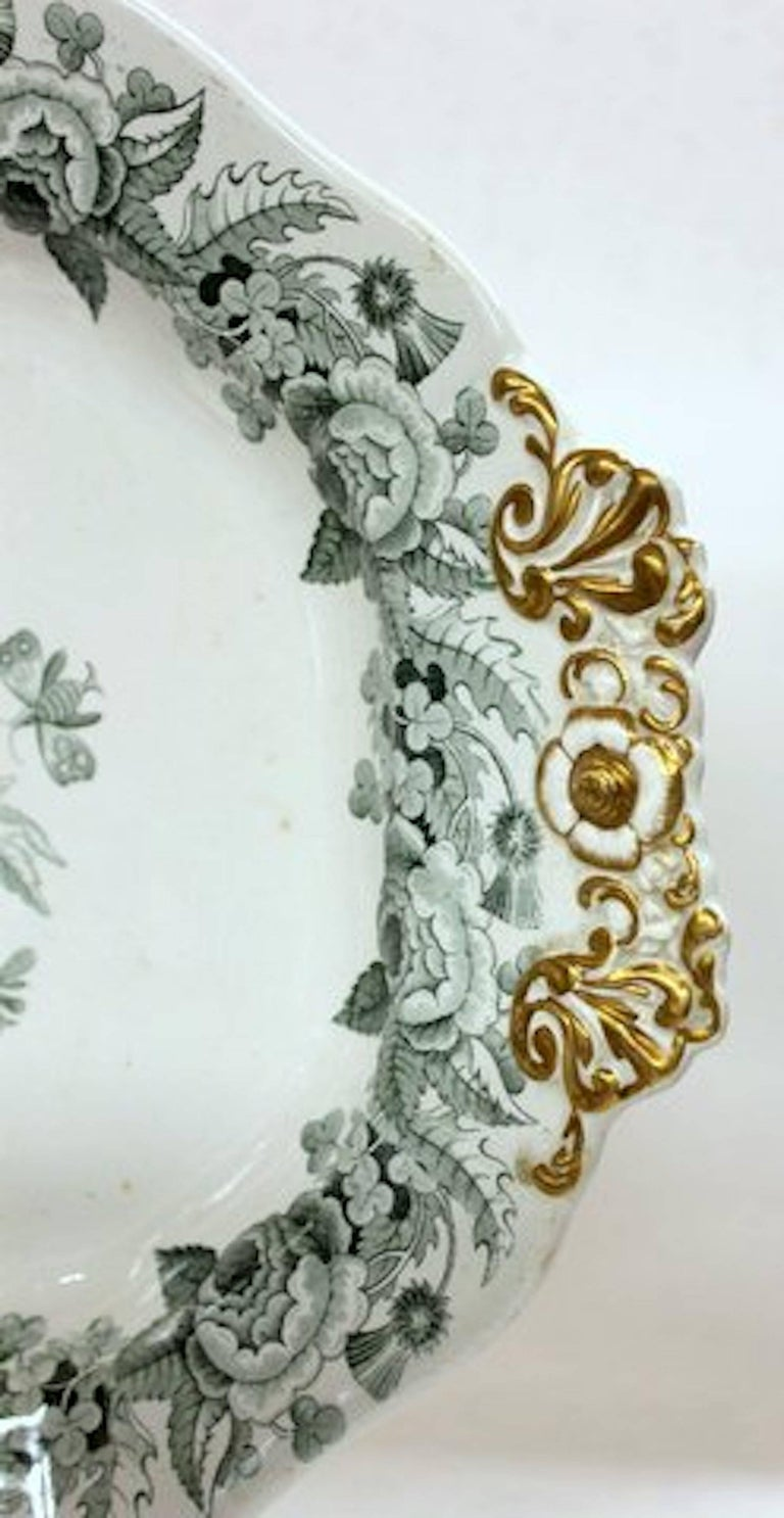 English 19th Century Spode Earthenware Transferware Large Platter/Tureen Stand In Excellent Condition For Sale In Charleston, SC