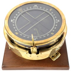 English Aeronautical Compass Made of Brass, Glass and Bakelite 1940s