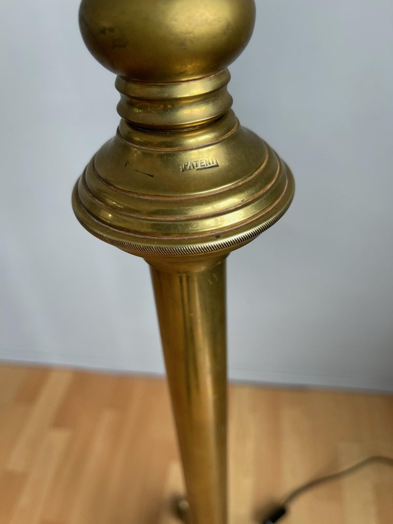 W.A.S. Benson, Antique and Stylish Arts & Crafts Floor Lamp in Bronze circa 1880 For Sale 5