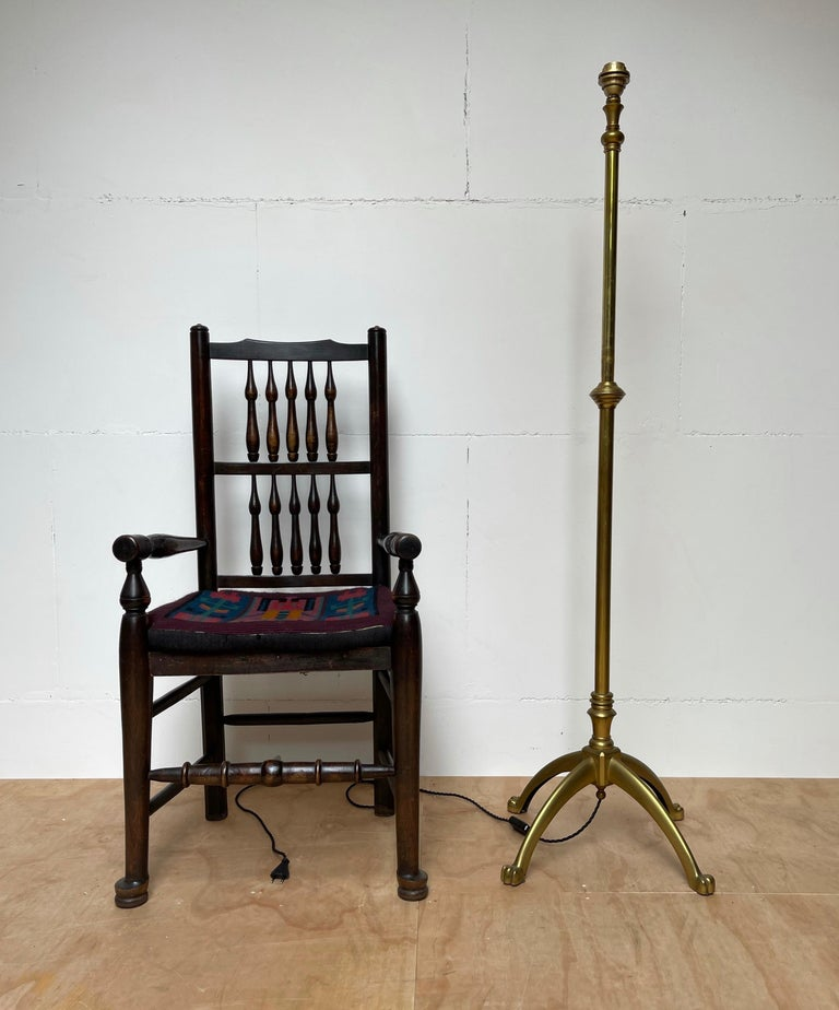 W.A.S. Benson, Antique and Stylish Arts & Crafts Floor Lamp in Bronze circa 1880 For Sale 9