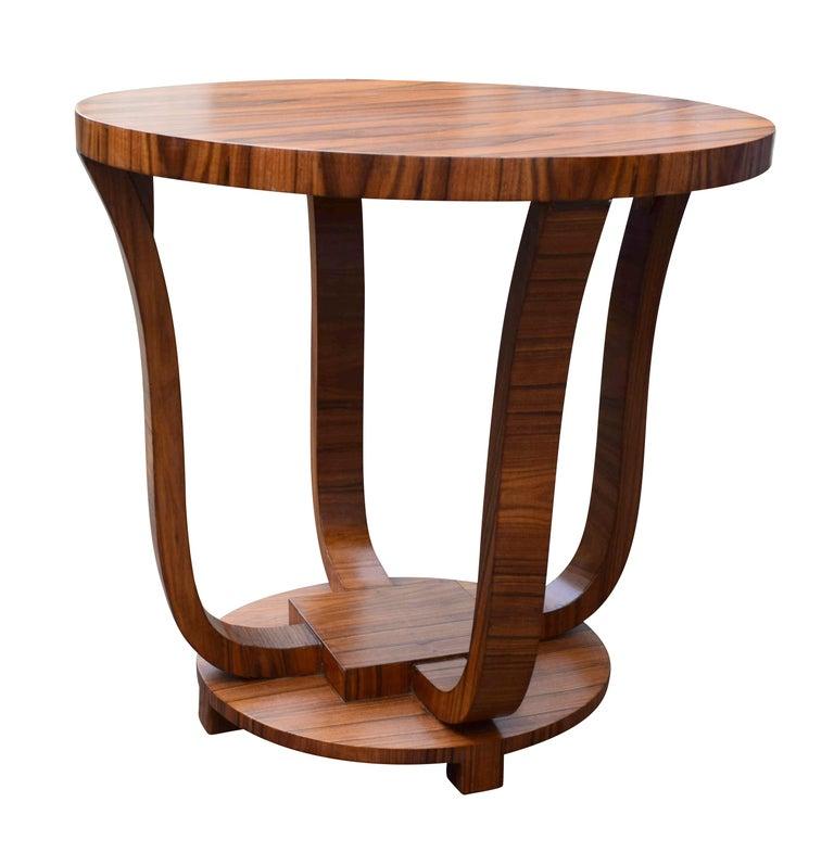 English Art Deco Centre Table in Figured Walnut, circa 1930 In Excellent Condition For Sale In Devon, England