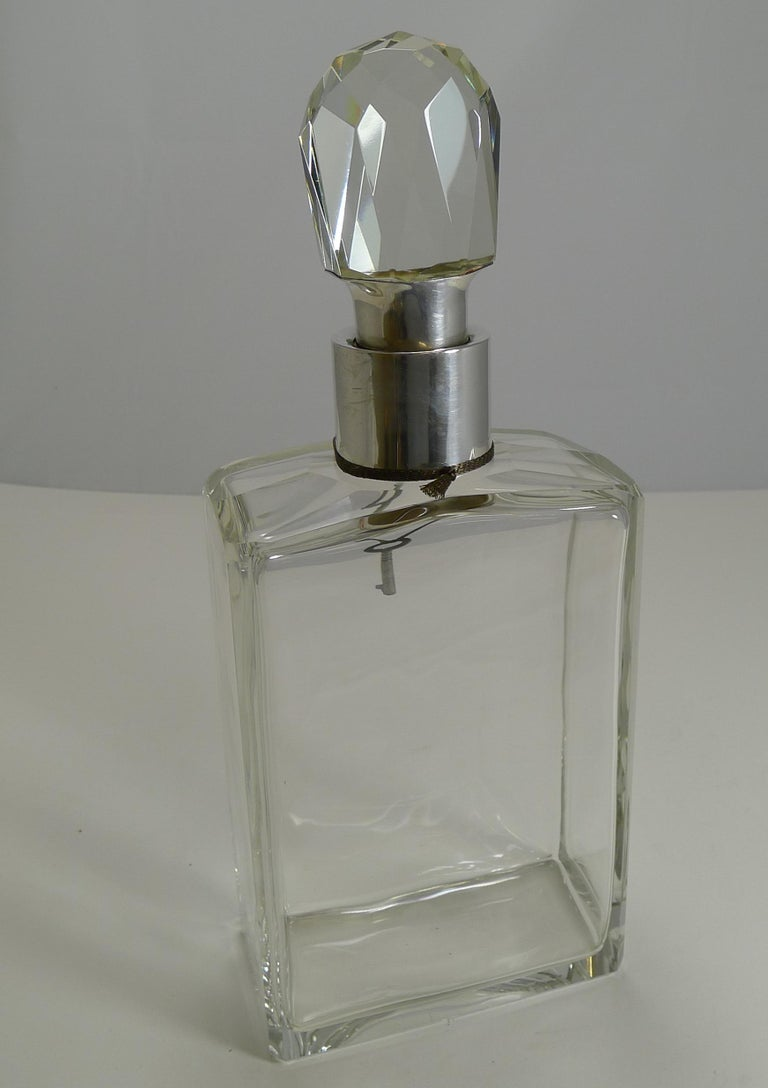 English Art Deco Crystal and Sterling Silver Locking Decanter by Hukin and Heath In Excellent Condition For Sale In London, GB