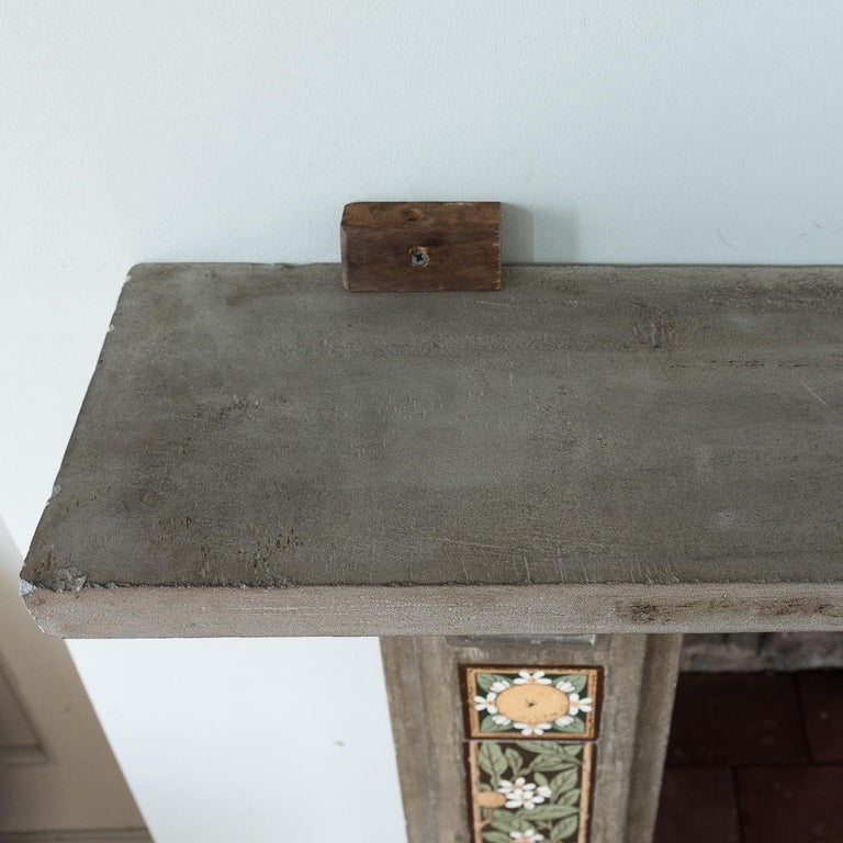 English Arts & Crafts Artificial Stone and Tiled Fireplace In Fair Condition For Sale In London, GB