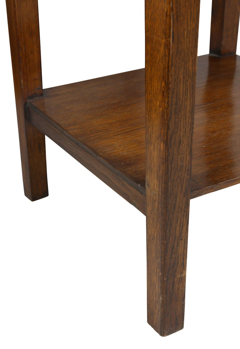English Arts and Crafts Oak End Table For Sale 2