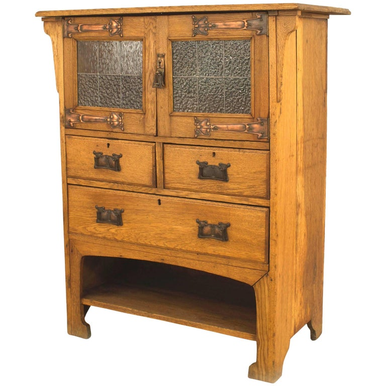 English Arts and Crafts Oak Cupboard For Sale