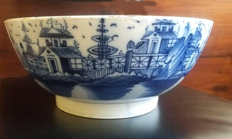 Georgian English Blue and White Pearlware Pottery Chinoiserie Bowl, 1790 For Sale