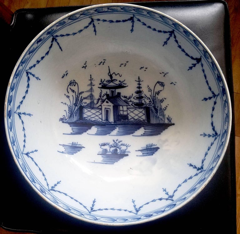 English Blue and White Pearlware Pottery Chinoiserie Bowl, 1790 For Sale 1