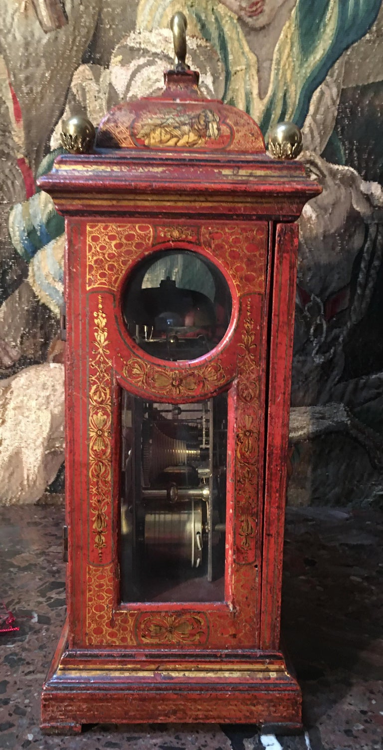 English Bracket in Red Lacquer with Chinoiseries and Bronze late 18th Century For Sale 1
