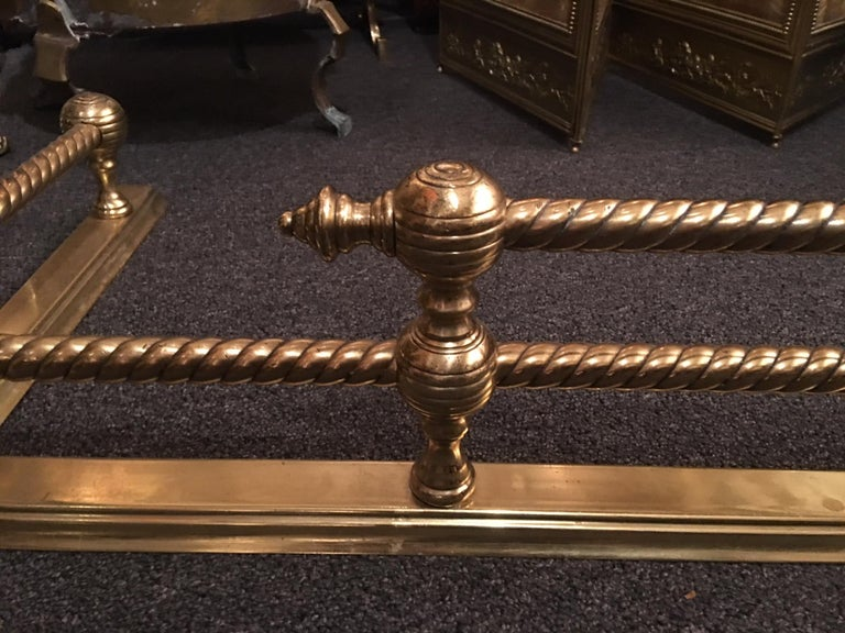 English Brass Fireplace Fender, 19th Century In Excellent Condition For Sale In Savannah, GA