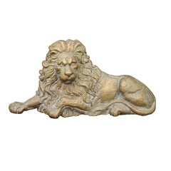 English Brass Lion Sculpture from the Late 19th Century in Reclining Position