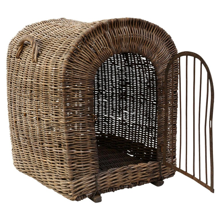 English Brown Wicker Dog Kennel Basket For Sale