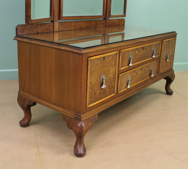 English Burr Walnut Dressing Table by Waring and Gillow For Sale 6