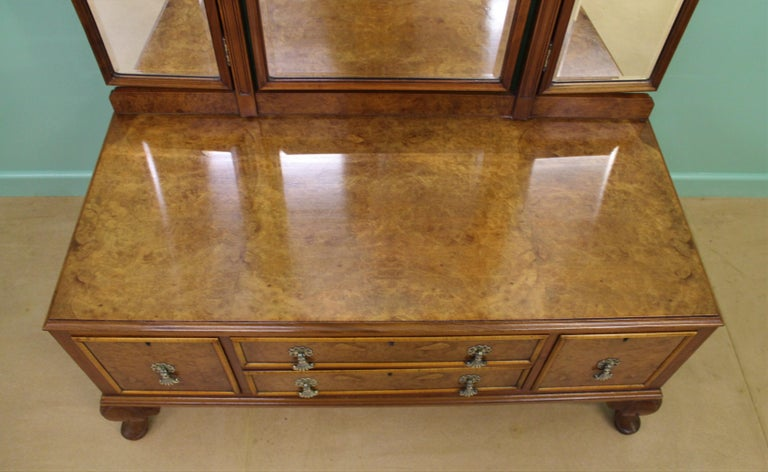 English Burr Walnut Dressing Table by Waring and Gillow For Sale 10