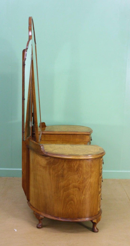 English Burr Walnut Kidney Shaped Dressing Table For Sale 7