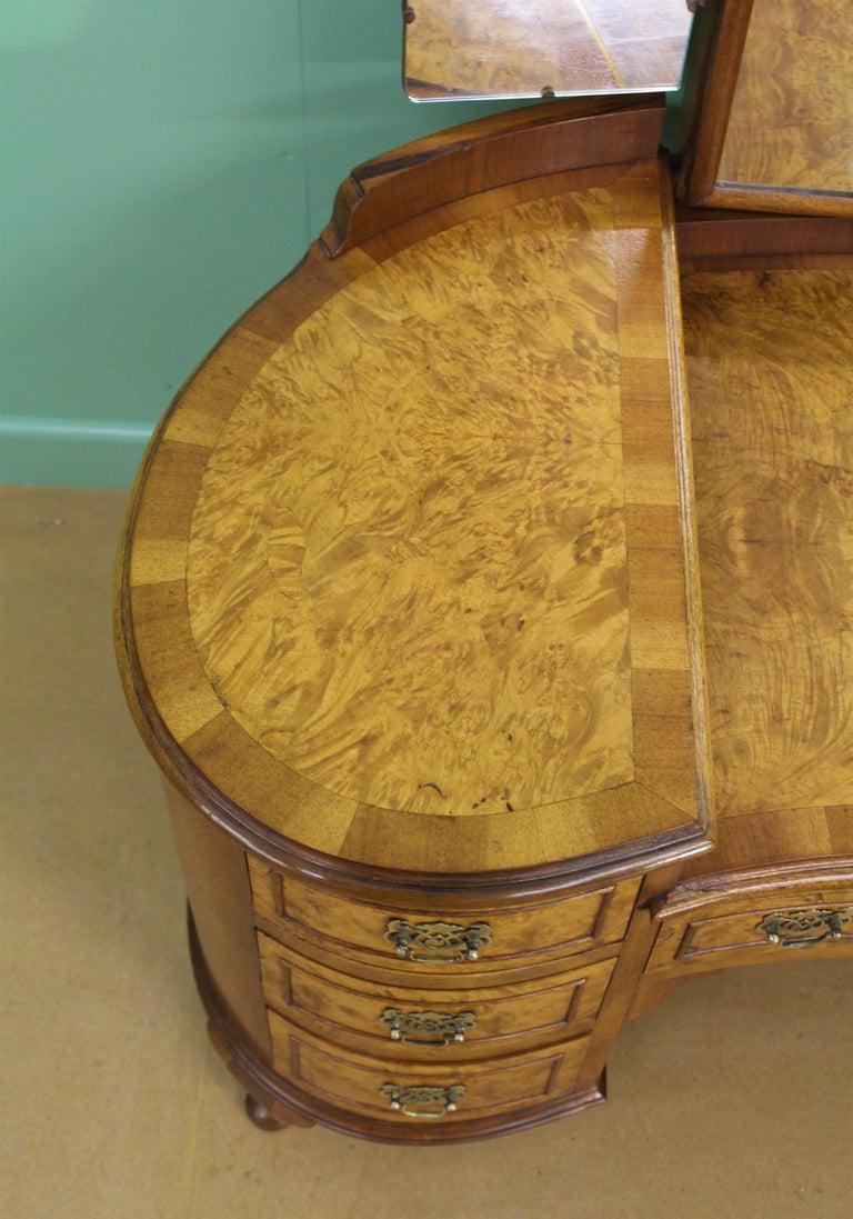 English Burr Walnut Kidney Shaped Dressing Table For Sale 4