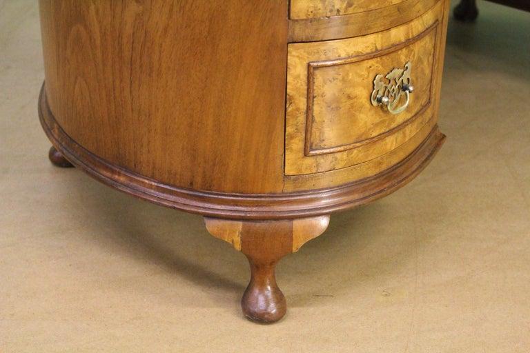English Burr Walnut Kidney Shaped Dressing Table For Sale 5