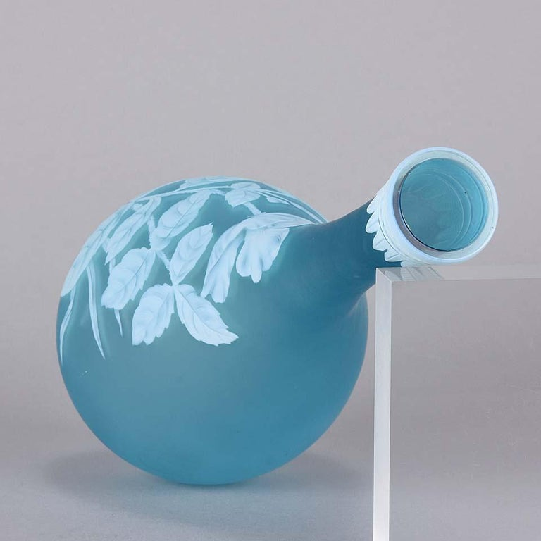 English Cameo Glass Blue Flower Vase by Thomas Webb For Sale 2