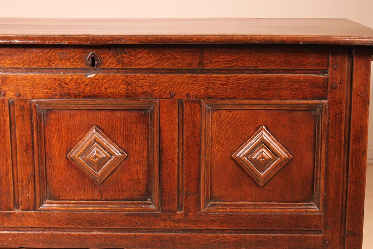 English Chest of the 18th Century in Oak with a Fitted Candle Box For Sale 5