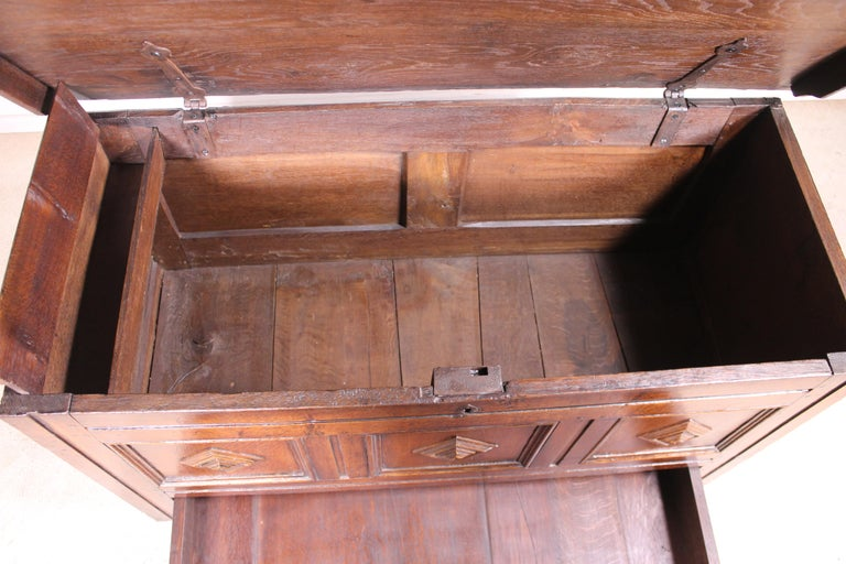 Georgian English Chest of the 18th Century in Oak with a Fitted Candle Box For Sale