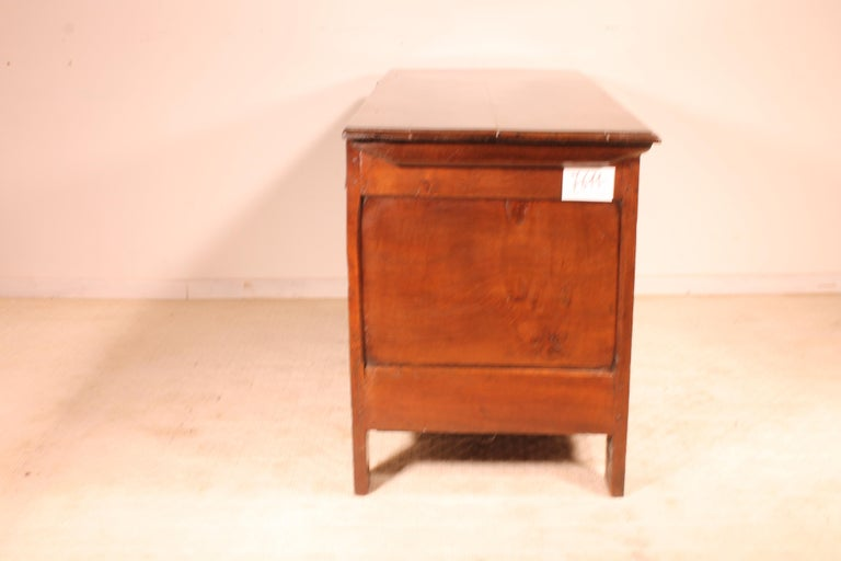English Chest of the 18th Century in Oak with a Fitted Candle Box For Sale 1