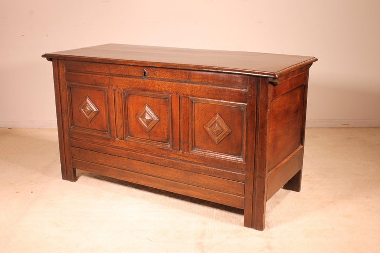 English Chest of the 18th Century in Oak with a Fitted Candle Box For Sale 2