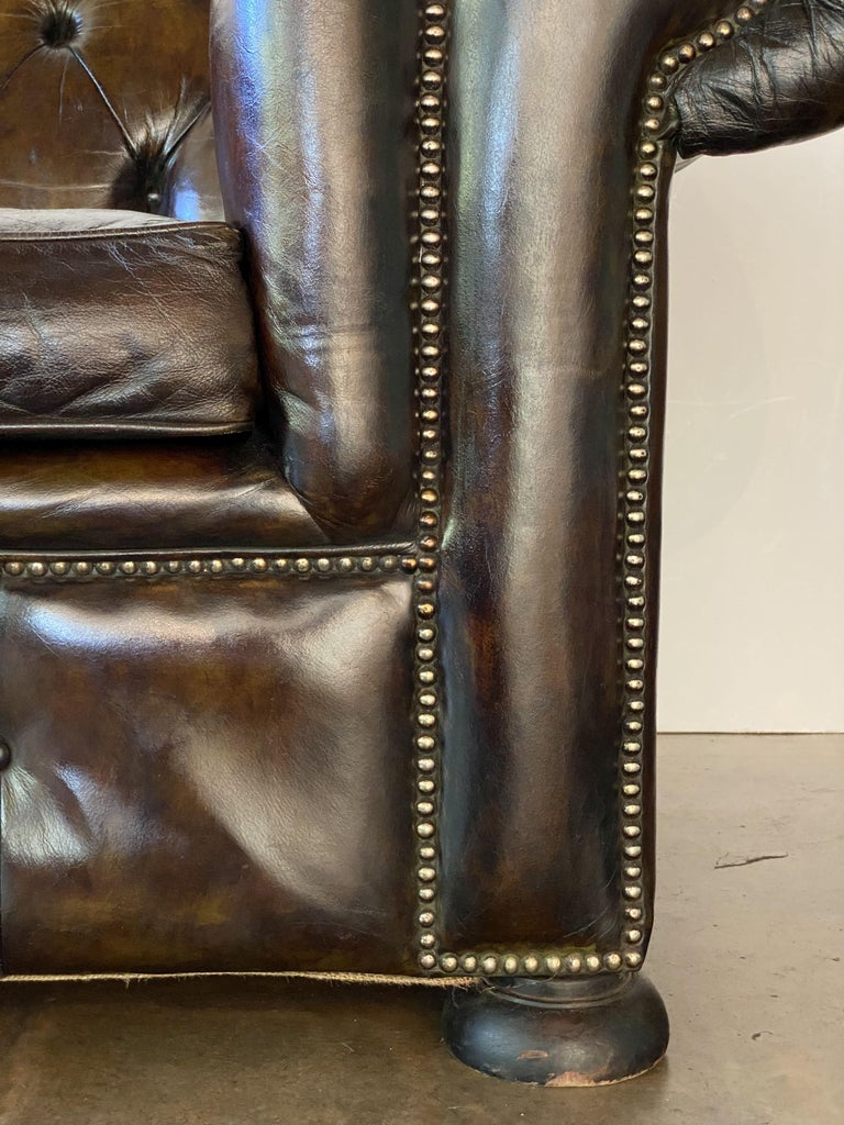 English Chesterfield Sofa of Tufted Leather For Sale 9