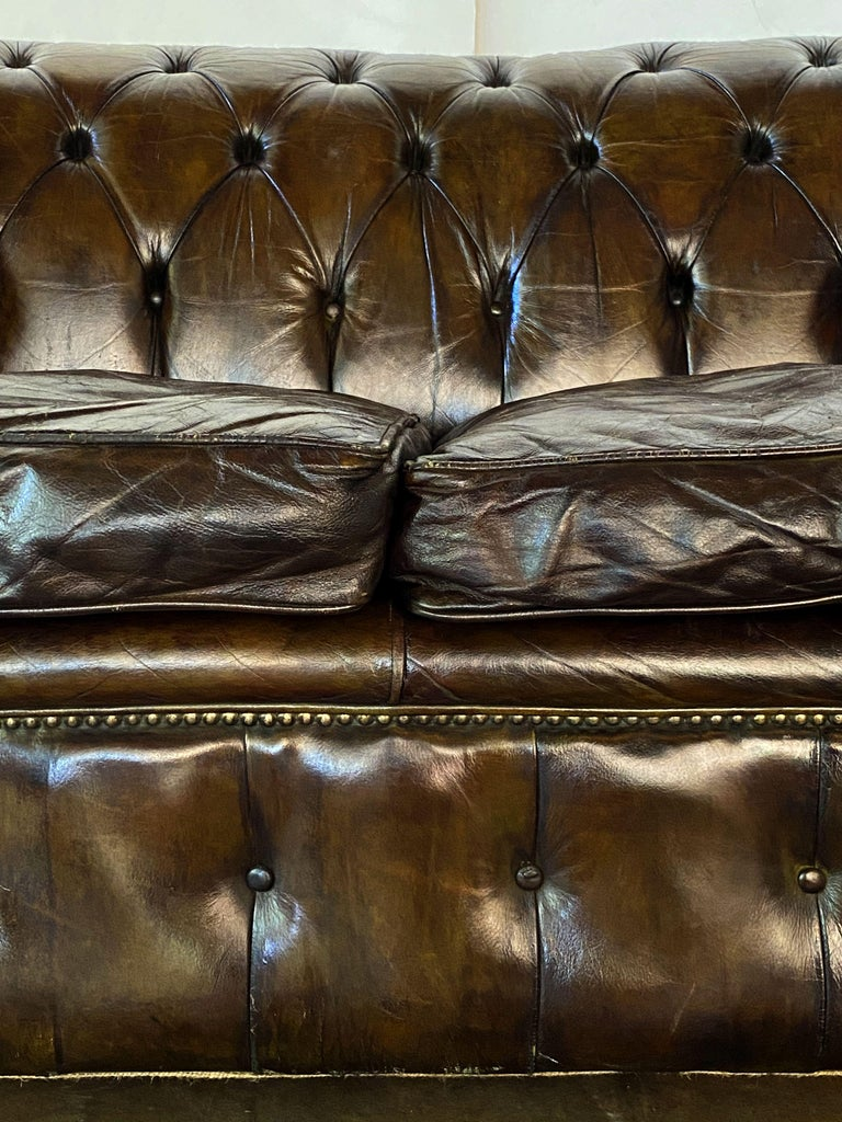English Chesterfield Sofa of Tufted Leather For Sale 11