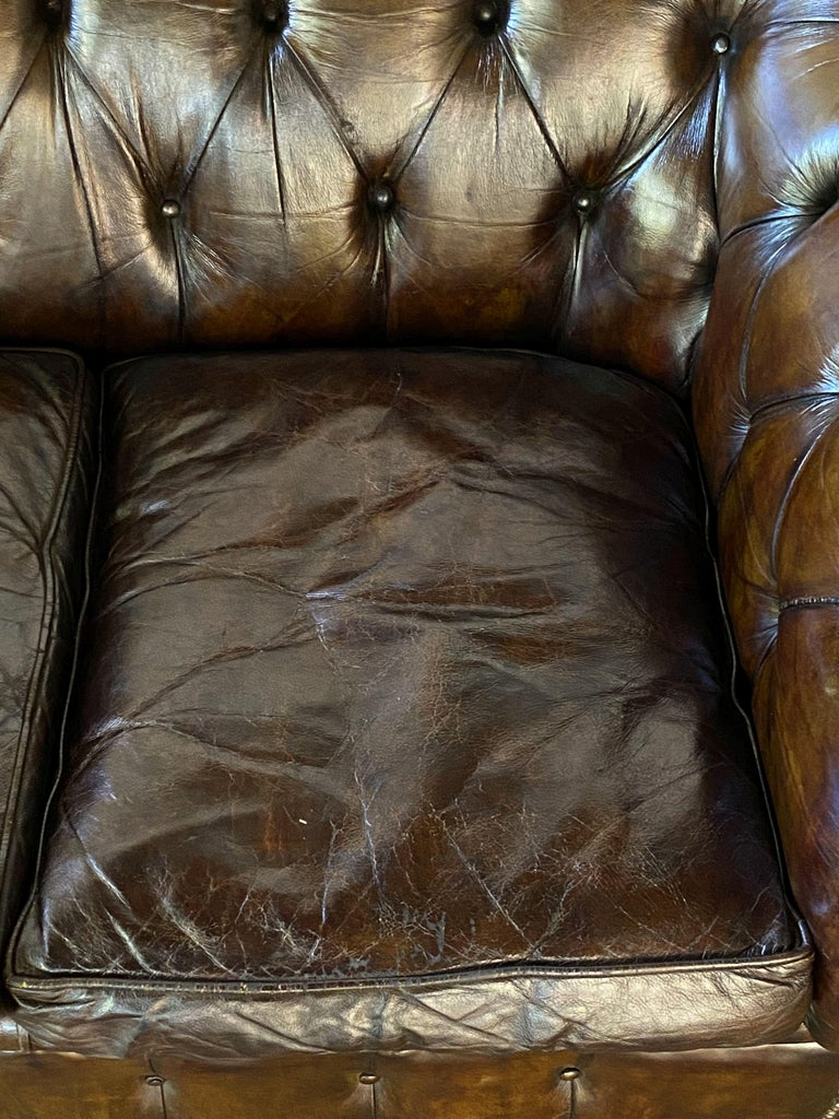 English Chesterfield Sofa of Tufted Leather For Sale 12
