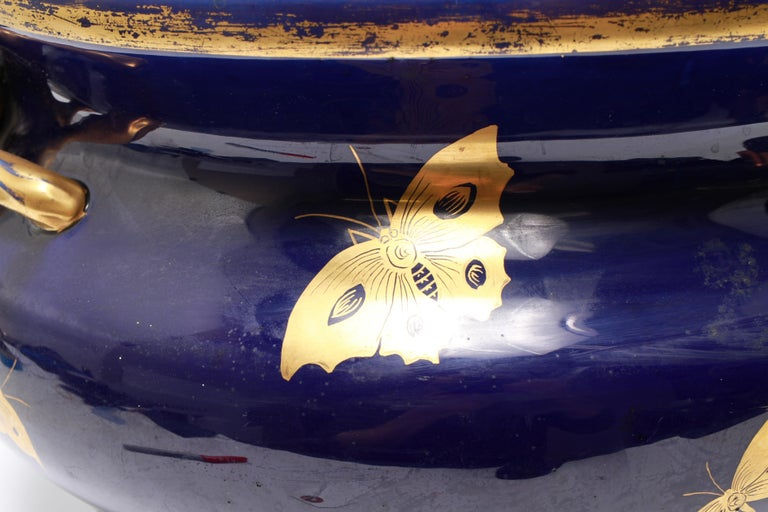 English Chinoiserie Cobalt & Gilt Jardiniere With Fox Handles For Sale 1