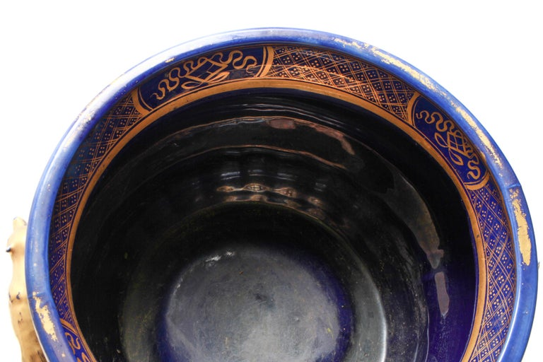 English Chinoiserie Cobalt & Gilt Jardiniere With Fox Handles For Sale 3