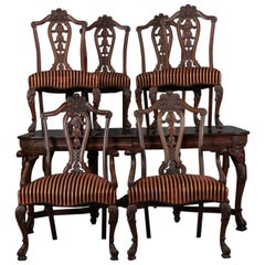 English Chippendale Style Carved Walnut Dining Table and 6 Chairs, 20th Century