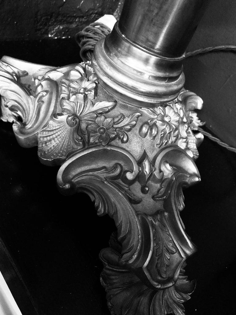 English Classical Bronze Lamp 1