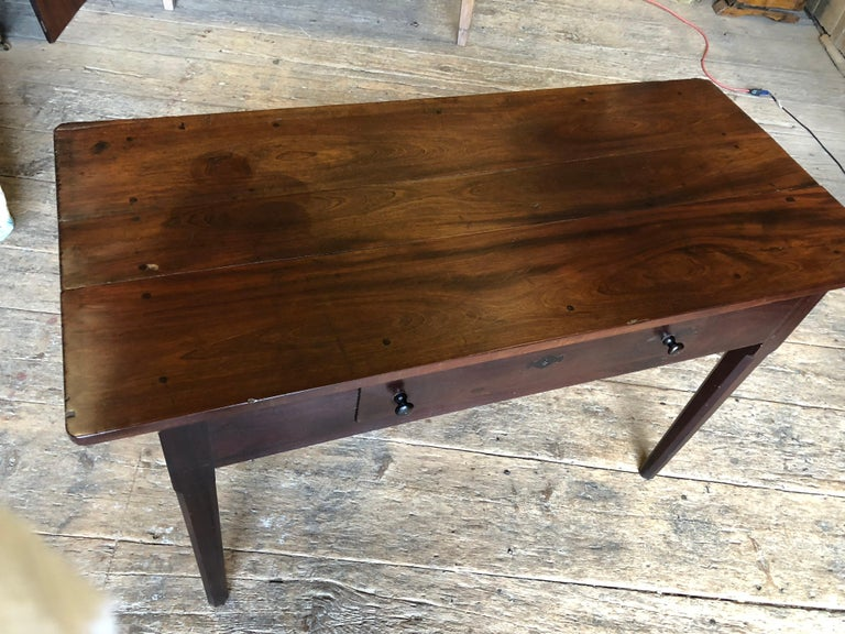 English Colonial Serving Table in Cuban Mahogany, 19th Century For Sale 4