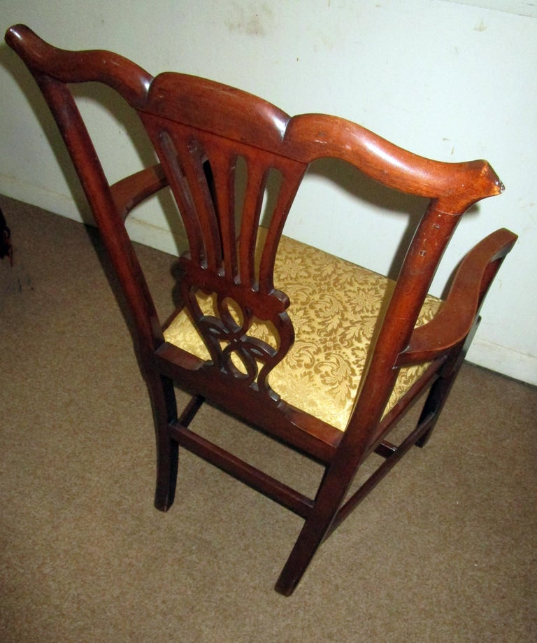 English Country Chippendale Style Mahogany Dining Chairs Set of Eight For Sale 3